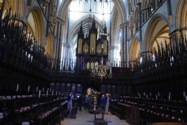 Den resliga Willis-orgeln – sedd från koret - i Lincoln-katedralen