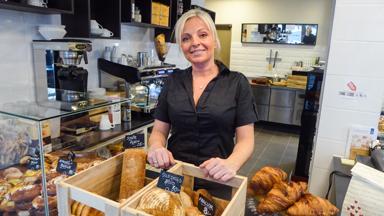 Bojana Drobnjak driver Café Viktoria Konditori tillsammans med sin man Vuksan.