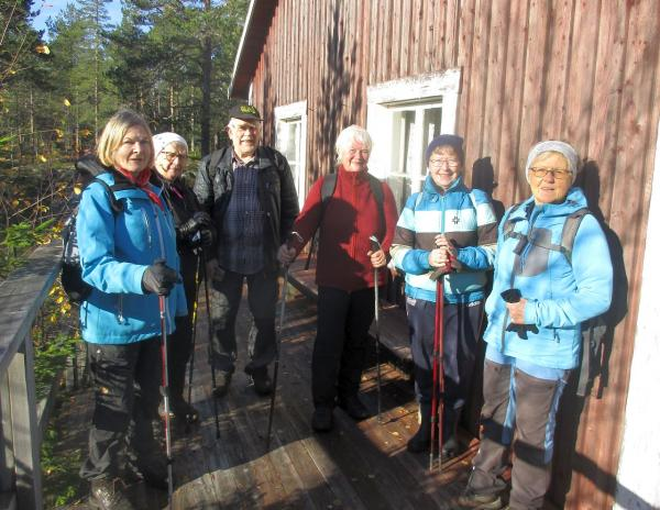 Eileen, Marianne, Anders, Anki, Anne-Marie och Karin vid Salumstugan
