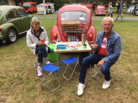 Susanne Eriksson och Thomas Olsson från Perstorp hade köpt sin fina folkasnurra av hobybon Maj-Lis Martinsson.