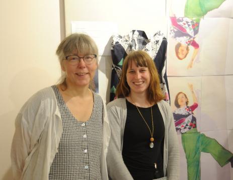 Textillärarna Ylva Foglert och Lina Odell på Blekinge folkhögskola.