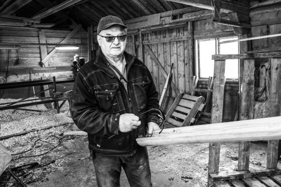 Stig Olsson gör även hängrännor i trä. Även det efterfrågat i samband med takrenoveringar.