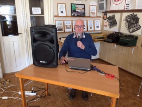 Kurt Böhme var dagens gäst och spelade gamla stenkakor och musik fram till - 60 talet.