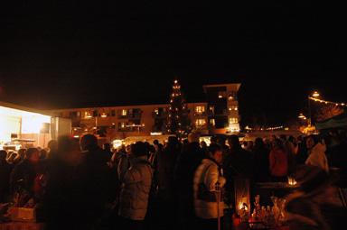 Den 3 december var det julmarknad på torget i Bollebygd.