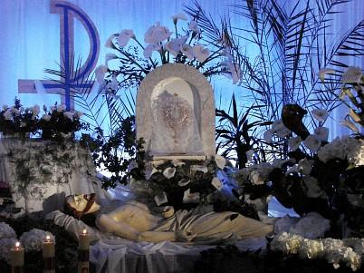 Easter Saturday - Christ lying in a tomb  Swietochlowice, Piasniki - Poland