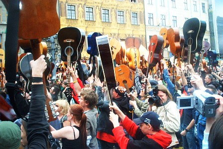 Guinness record in Wroclaw - more than 1800 guitars