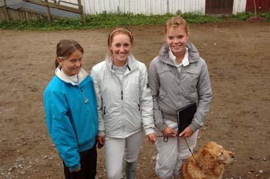 Marie, Jennie hade rest från Kungsbacka och Nathalie från Fjärås för att hopptävla i Bollebygd