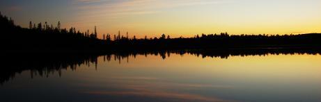 Under augusti ritades leden upp med gps och vi stannade vid Trollvattnet vid tio tiden på kvällen då solen precis gått ner.