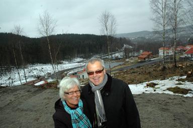 Här på höjden i den östra delen av Skräddargårdshöjd, etapp 2 kommer Thord och Karina Gustafson att bygga prototyphuset som innebär klimatneutralt boende i skarpt läge.