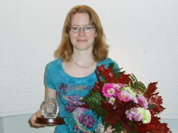 Sofia Bryntse mottar sitt stipendium