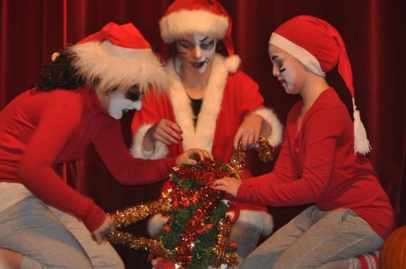 En viss julstämning infinner sig plötsligt. Eller snarare en oviss julstämning.