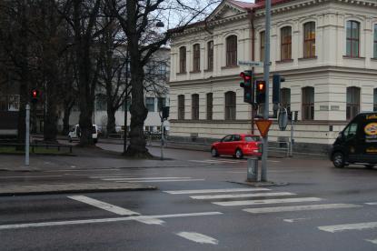 Grönt för bilar och gångtrafikanter med alltid rött för fotgängare
