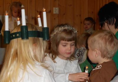 Alice och lillebror Björn.