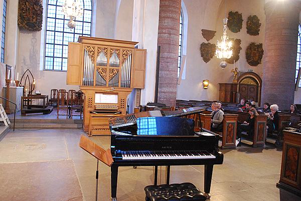 <span>I S:t Jacobs kyrka gavs konsert för två orglar och ett piano. Spelade gjorde Michael Waldenby, Martin Blomqvist samt Joakim Andersson.</span>