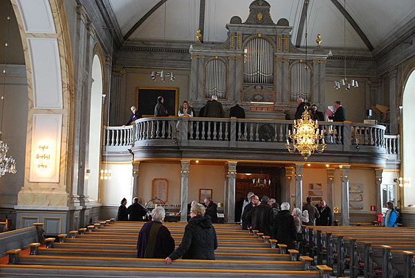 <span>Dag Edholm berättade och Magnus Holmlund spelade på den nyrenoverade Setterquist-orgeln i Vaxholm.</span>