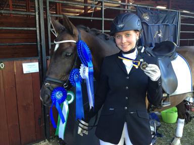 Sarah Wiberg med New Forest ponnyn Åstratorps Magini.