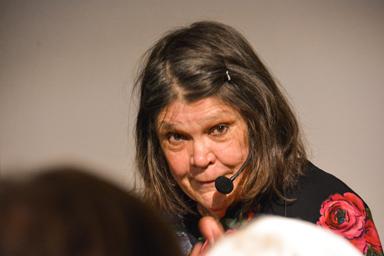 Britta Andersson framförde sin egen berättelse, Farmor och Världen.