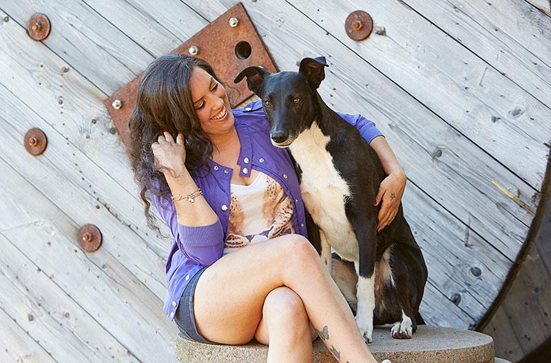 Hundpratare... Alex Ortega är specialist på hundars beteende och jobbar bland annat med hemlösa hundar i Spanien som får nya hem i Sverige.