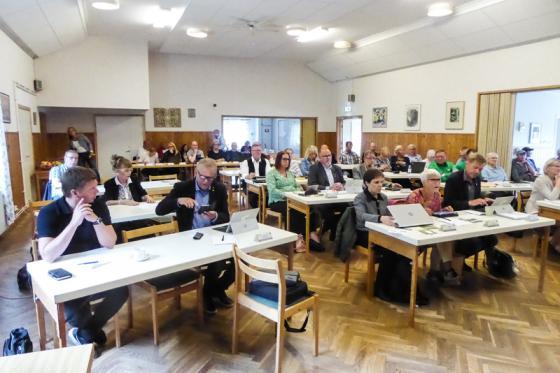 Fullmäktigeförsamlingen höll möte i Ordenshuset i Töllsjö.