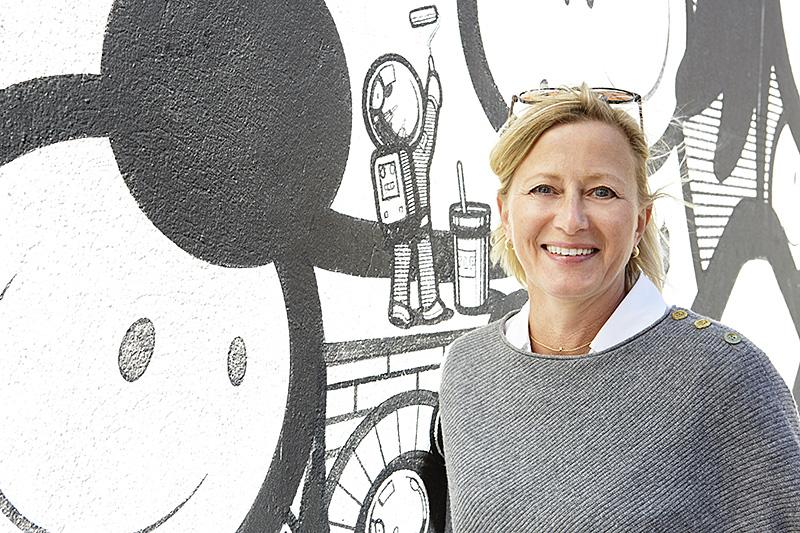 Uppåt väggarna. Stina Hallhagen är projektledare för No Limit.