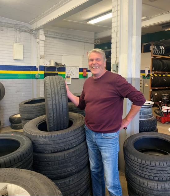 Kjell Myhr trivs på däckfirman