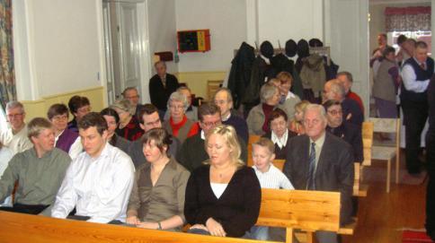 Anhöriga och övriga gudstjänstbesökare