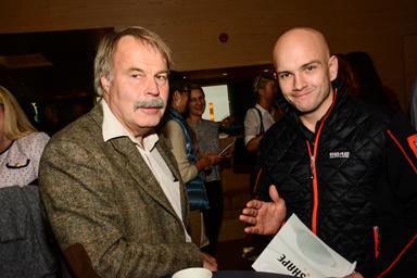 Oppositionsrådet i Härryda kommun, Mats Verner (S) fick en pratstund med Christoffer Jacobsson från företaget Cobson i Bollebygd.