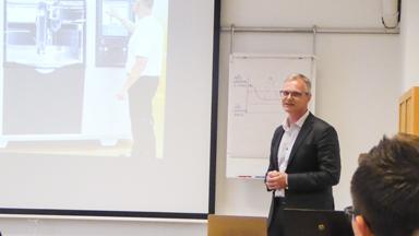 Christian Ölmertz presenterade företaget Finepart Sweden AB som är relativt nya i Bollebygd.