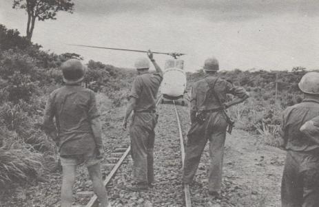 Under stridigheter i djungeln visade sig helikoptern vara oumbärlig.