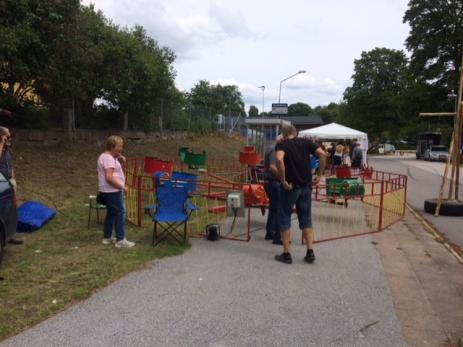 Arrangörerna hade också tänkt på barnen och tagit dit en liten karusell.