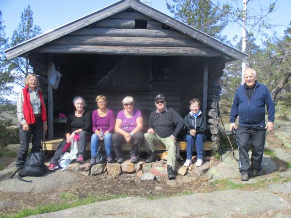 Till Fäbergets topp 2 juni. Eileen, Ulla, Viveca. Siv, Roger, Anne-Marie och Anders