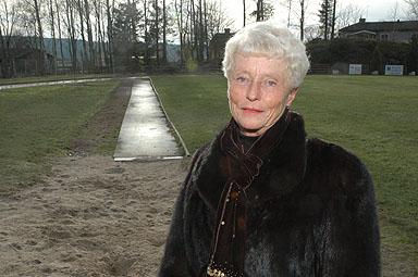 1958 tog Birgitta Nordin som hon då hette klubbrekordet i längdhopp.  -Jag lyckades hoppa 4,81 meter och det var tydligen bra, säger Birgitta Obrien.