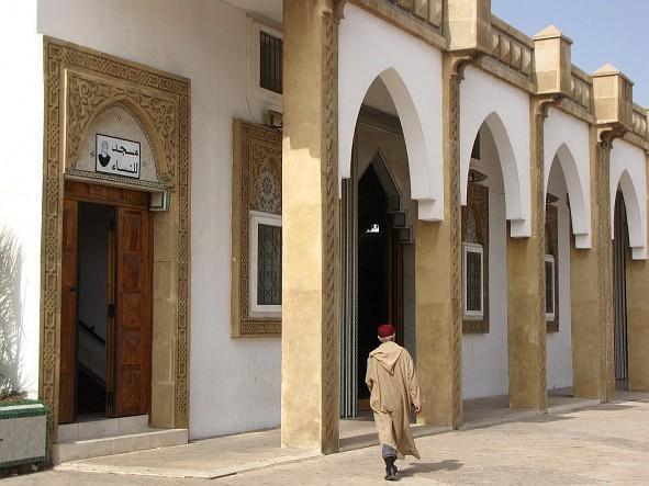 Agadir - man going to the mosque