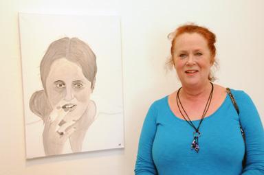 Porträtt av mamma Monica och till höger mamma live.