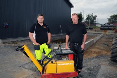 Här bygger Lars Larsson till sin företagsbyggnad med en tvätthall.