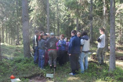 Arkeologilektion i Järboskogarna