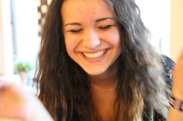 Antonia önskar sig ett sminkbord, säger hon och skrattar.
