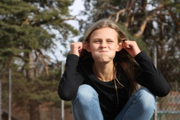 Maja älskar apor, men om du vill veta om hon träffade någon i Afrika får du se Wild Kids ikväll.