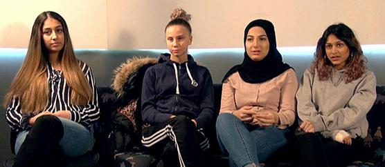 Nermin, Elisabeth, Kabas och Vanessa i soffans hos Angeredswebben.