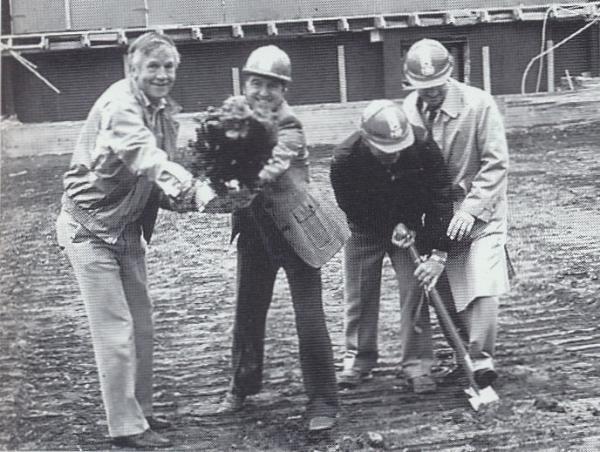 Första spadtaget, med Ivar Dahlberg, John-Eric Westin, Mats Lindewall och Owe Källestål