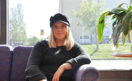 Sandra Björkner går tredje året på handelsprogrammet ser fram emot att jobba efter studenten.