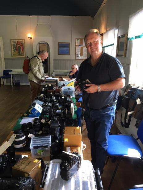 Per-Allan Axe´n hade kommit från jönköping för att sälja sina kameror.