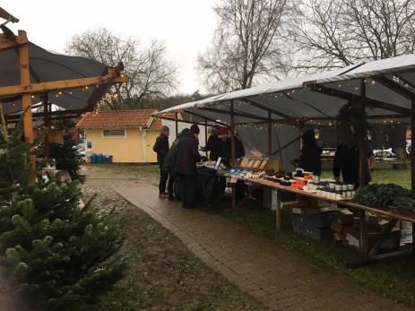 Hos Pensionat Järnavik kunde besökarna botanisera bland unika delikatesser.