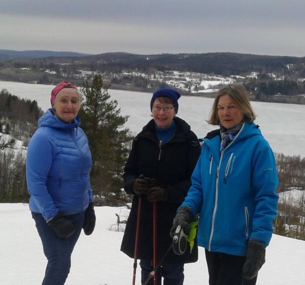 Till Salsåker 4 april. Ulla, Anne-Marie och Eileen
