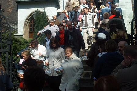 Wroclaw: People with 'swieconka' leaving church