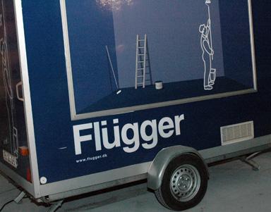 Flüggers egen korvvagn fanns på plats vid taklagsfesten. Mer om den kan du läsa i AnnonsMarknan nummer 3.