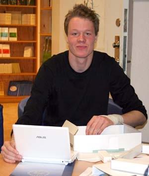 En lycklig vinnare. Christoffer Jacobsson från Rotskär.