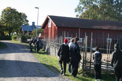 Längs bygatan i Alborga