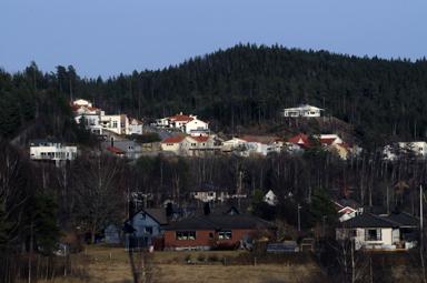 Bakom den befintliga bebyggelsen ska det nya området Uppegård byggas.