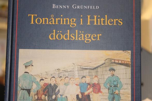 Benny Grünfelds bok om hans tid i Auschwitz.